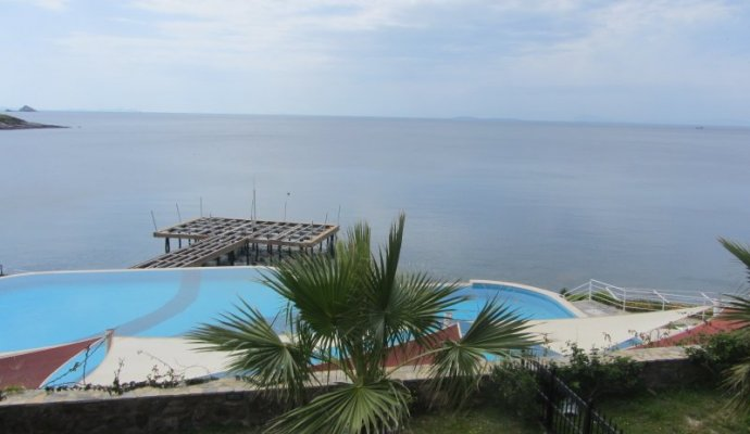 Luxury Seafront Villa With Pool in Yalikavak