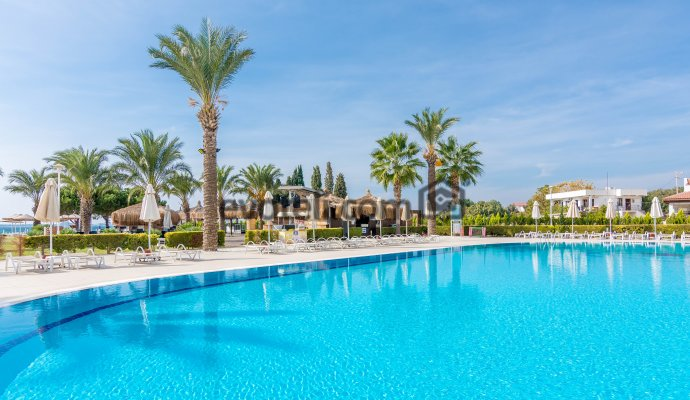 Didim Spa Beach Resort  Denize 0 Sitede 3+1 Villa 2