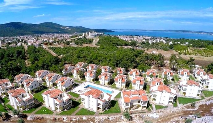 Luxurious holiday villas with shared pool for 4-6-8 people in Akbük