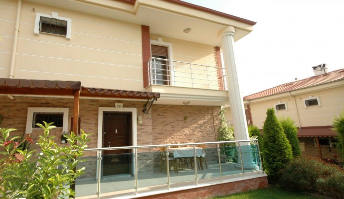 Villa Freesia 3 + 1 With Shared Pool