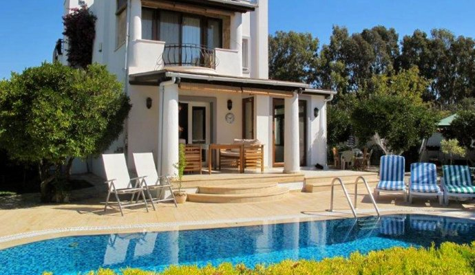 Gumusluk 3 + 1 Conservatory Villa Lyon with Private Pool