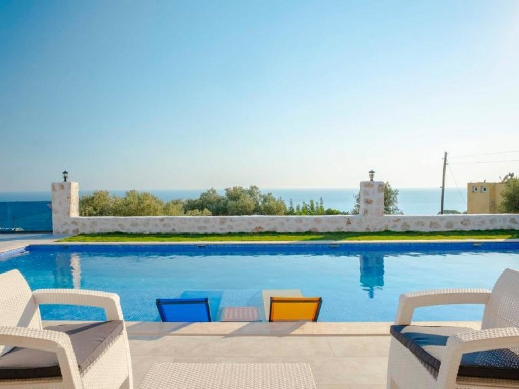 LUXURY VILLA WITH OPEN AND CLOSED POOL IN ANTALYA KAS