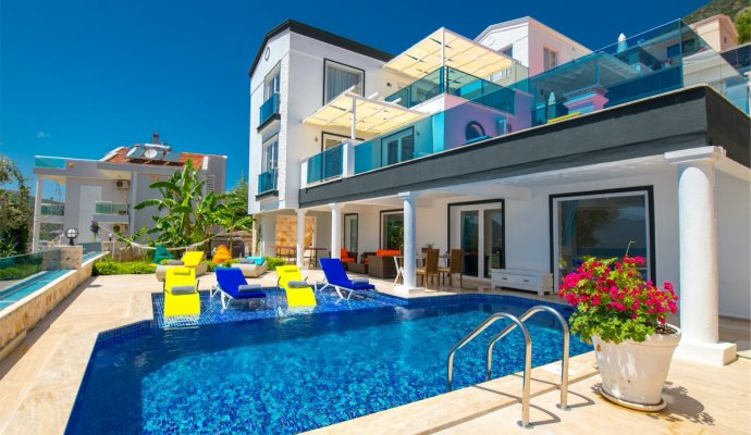 Holiday in a luxury villa