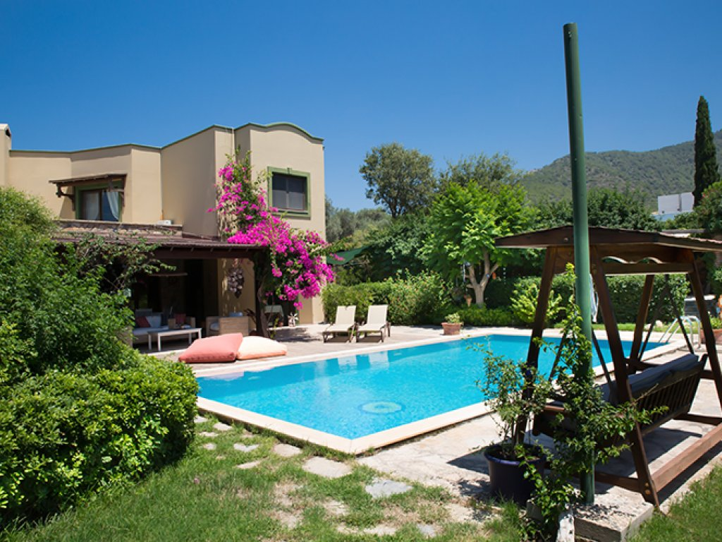 Villa with Pool and Private Garden in Bodrum Ortakent